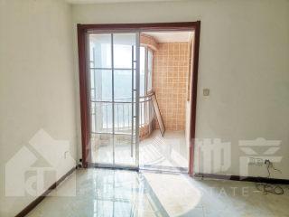 出租(城南)鲁班社区3室2厅1卫126平简单装修